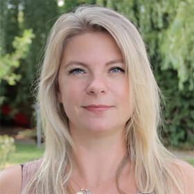 Ann Christin Pfeiffer, Hundeinstruktør hos Hundedamen.dk